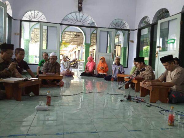 Waspada Covid-19, Guru dan Karyawan Mengadakan Hotmil Quran